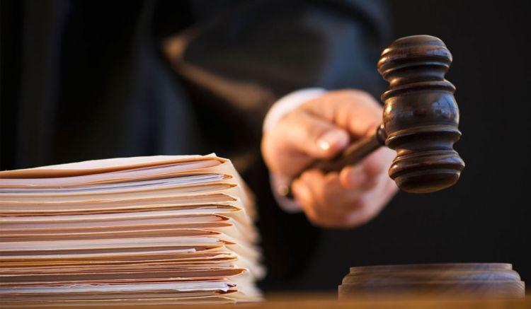 Суд отклонил ходатайство семьи Элины Гаджиевой об аресте директрисы