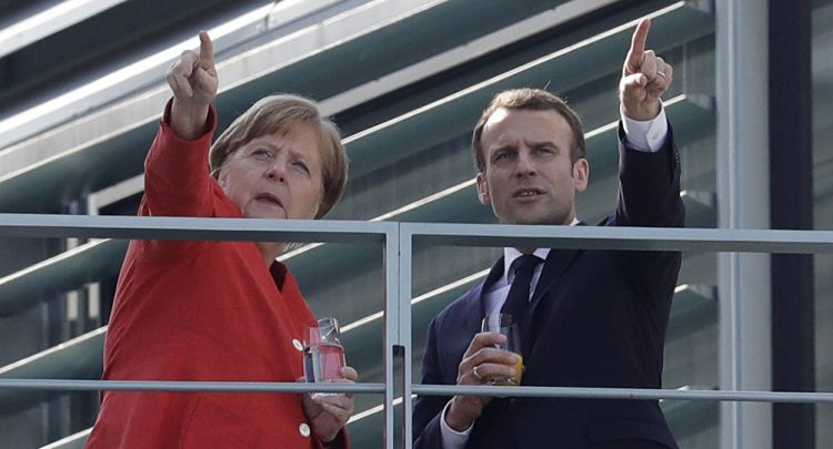 Macron to meet with Merkel on Sunday ahead of crucial EU Brexit Summit