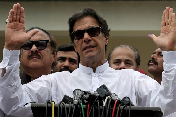 Pakistan's PM leaves for Iran, Saudi Arabia to ease tensions