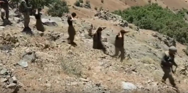 Türk ordusunun əsir aldığı terrorçular DANIŞIR - Heç yerdə görmədiyiniz ŞOK görüntülər - VİDEO
