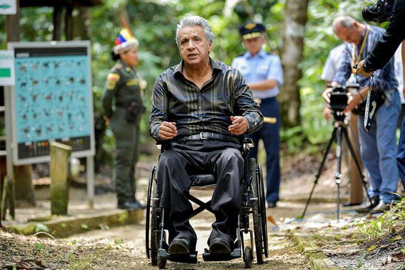 Президент Эквадора отступил перед профсоюзами и индейцами