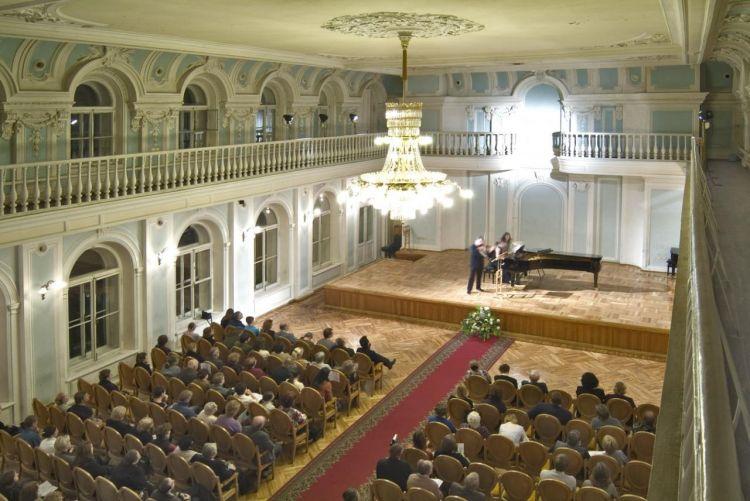 ru/news/culture/394875-azerbaydjanskie-muzikanti-vistupyat-v-moskovskoy-konservatorii