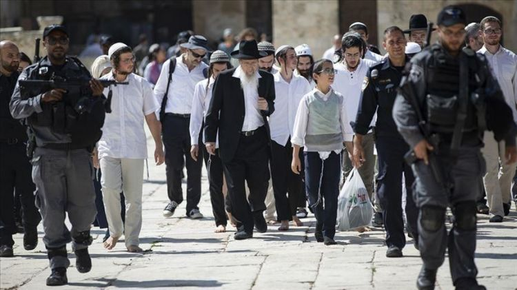 الأوقاف: 653 مستوطنا يهوديا يقتحمون المسجد الأقصى