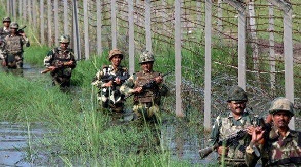 مقتل جنديين هنديين ومدنيين باكستانيين في قصف بكشمير