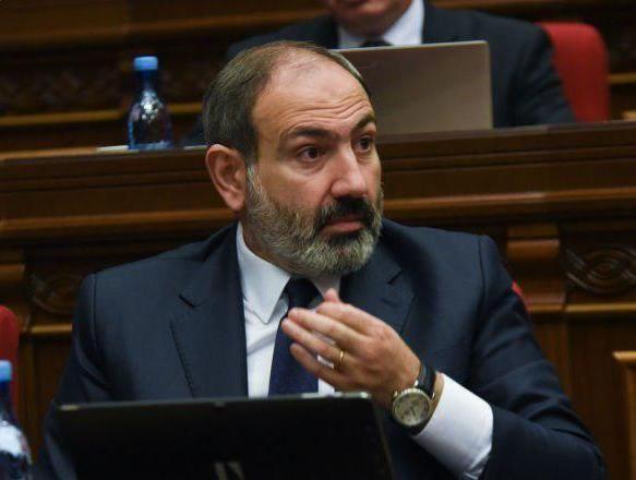 Парламент Армении отказывается поддерживать Пашиняна