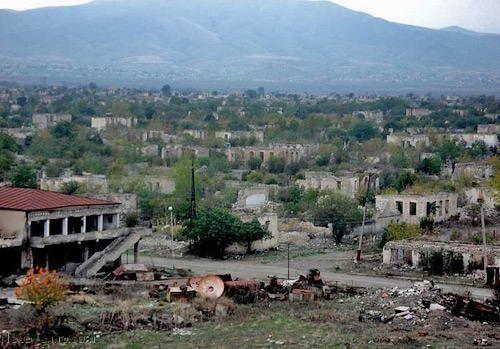 Баку следует изучить и перенять опыт Украины, обратившейся в Гаагский суд
