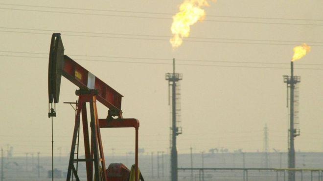 السعودية هي الثانية عالميا من حيث إنتاج النفط والاحتياطي، فمن هي الأولى؟