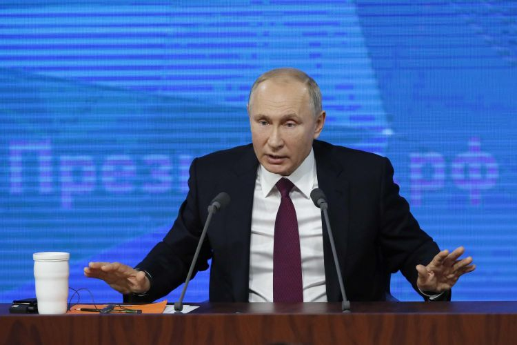 Putin offers creation of Russian version of Wikipedia
