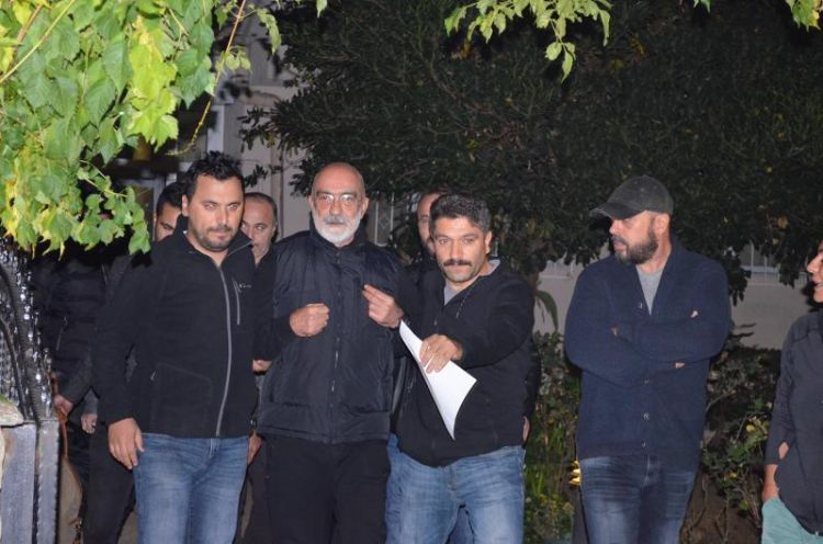 SON DAKİKA!  Ahmet Altan tutuklandı - Teröre yardım ve yataklık suçu - VİDEO