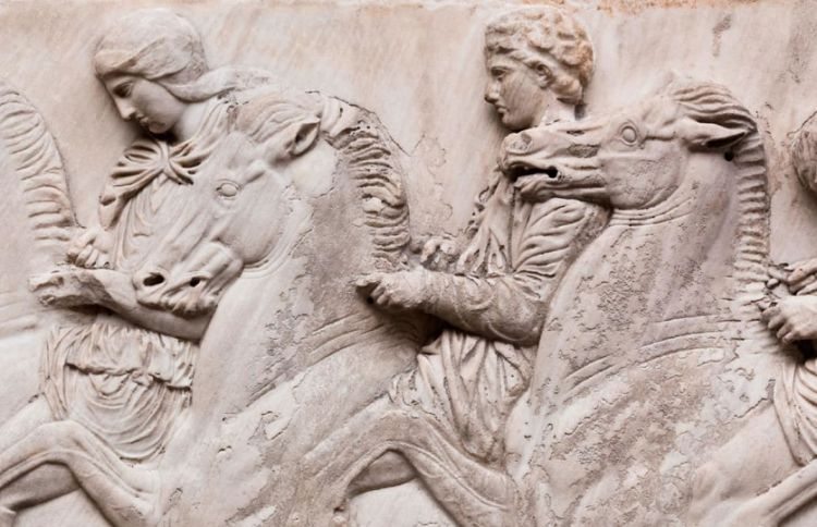 en/news/culture/400835-xi-jinping-offers-to-help-greece-retrieve-contested-parthenon-marbles