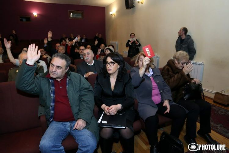 Группа журналистов из Армении собирается в Баку