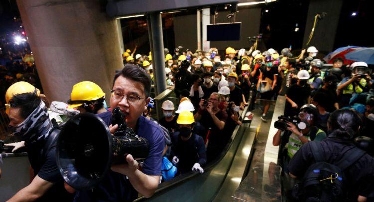 هونغ كونغ ترفض دستورية قانون يمنع المحتجين وضع أقنعة على الوجه