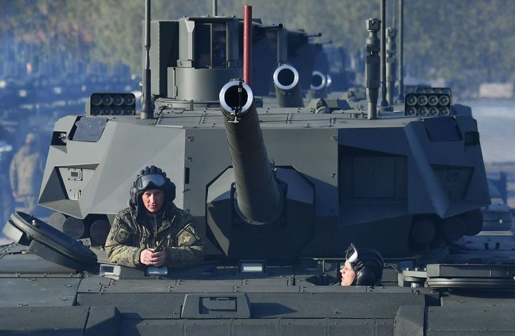 Russian army welcomes new pilot batch of 'revolutionary' T-14 tanks (ARMATA) - VIDEO