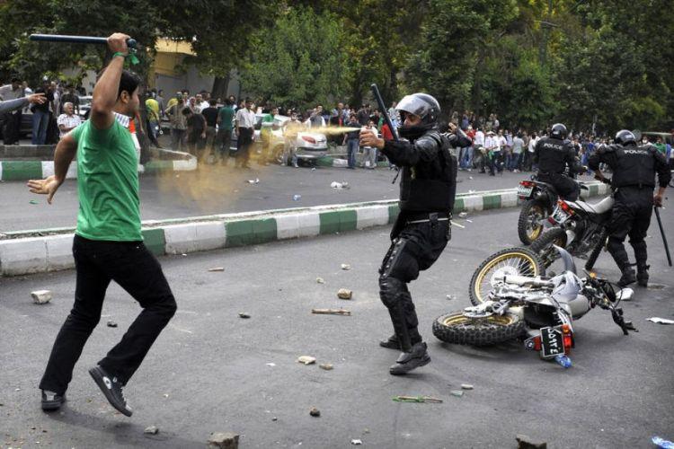 """""""Hakimiyyətin əli xalqın cibində..."""" - İrandakı etirazların əsas səbəbləri..."""