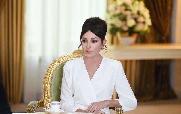 """Mehriban Əliyeva: """"Bizim elan etmədiyimiz işlər də var"""" - MÜSAHİBƏ"""