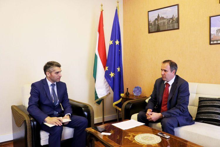 اهتمام الشركات المجرية بقطاع الطاقة في بحر قزوين