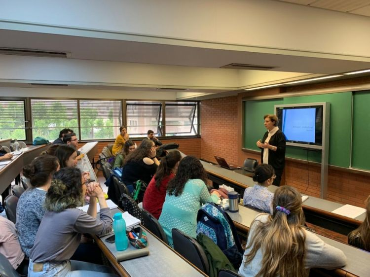 التدريس الناجح لفن التعددية الثقافية الأذربيجانية في أمريكا اللاتينية
