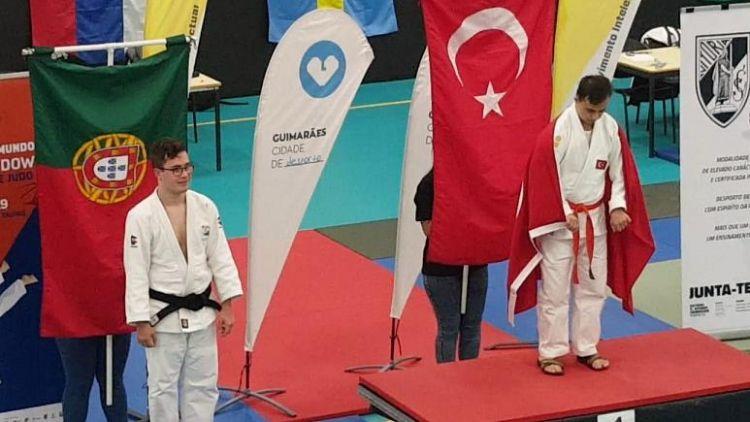 tr/news/sport/404449-turkiye-down-sendromlular-dunya-judo-sampiyonasinda-iki-altin-madalya-kazandi
