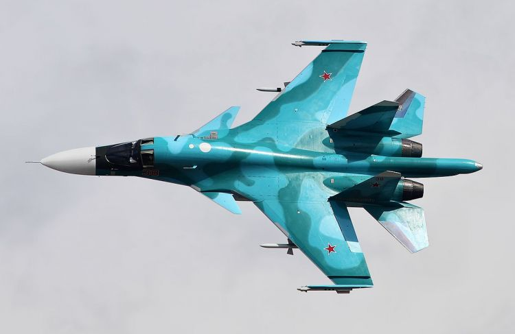 Russia's Su-34 fighter bombers are training aerial battles over Chelyabinsk - VIDEO