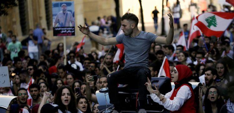 """""""لبنان ينتفض"""" لليوم 53.. """"أحد الضغط"""" عشية الإستشارات"""