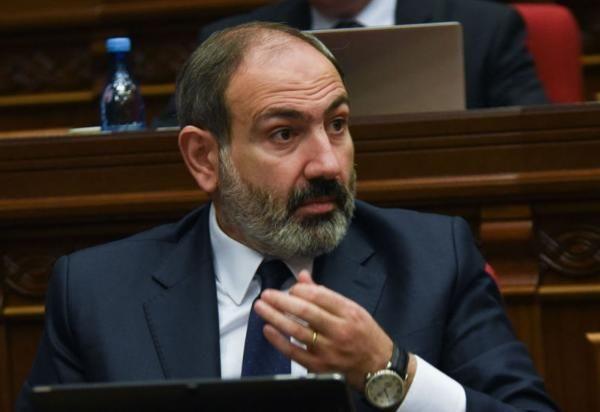 """Araratyan Paşinyanı təhqir etdi - """"Bu heyvan hamını əmin etdi ki..."""" - VİDEO"""