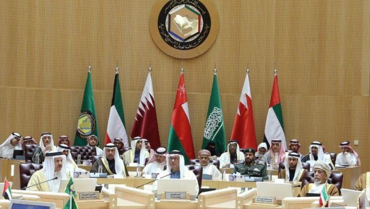القمة الخليجية تنطلق اليوم بالرياض ورئيس مجلس الوزراء القطري يقود وفد بلاده