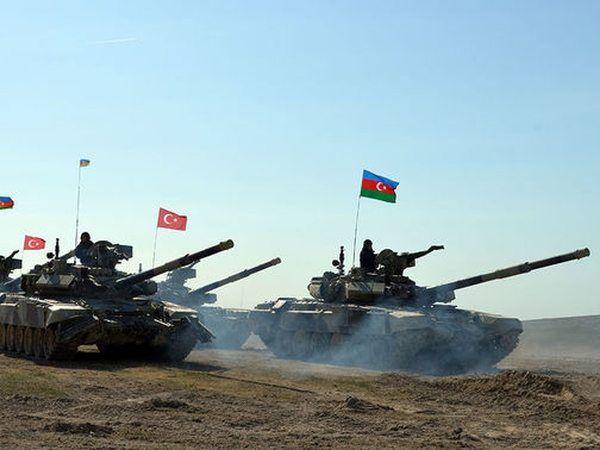 Страхи армян: Баку и Анкара собираются вернуть Мегри