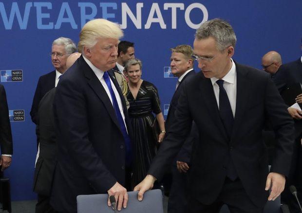 """Trampdan """"çoxbaşlı gediş"""": Ağ Ev müttəfiqini NATO ilə qorumaq istəyir"""