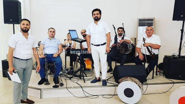 Азербайджанский консул  наказал певца, исполнявшего армянскую песню