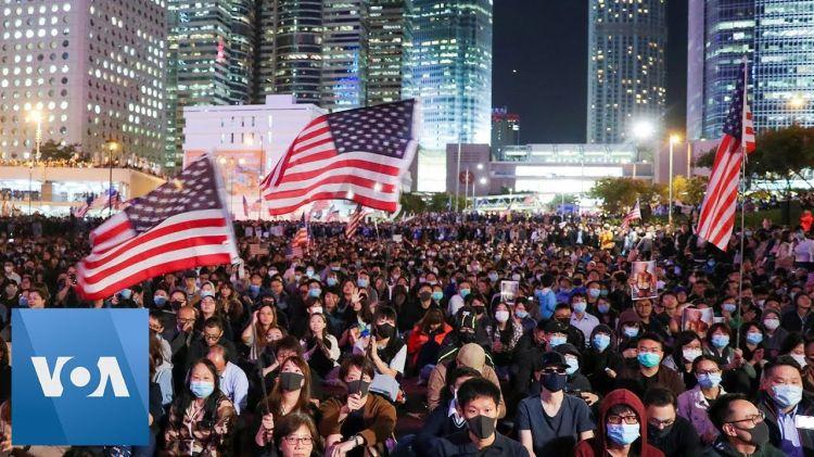ABD'de binlerce kadın Trump'a karşı yürüdü