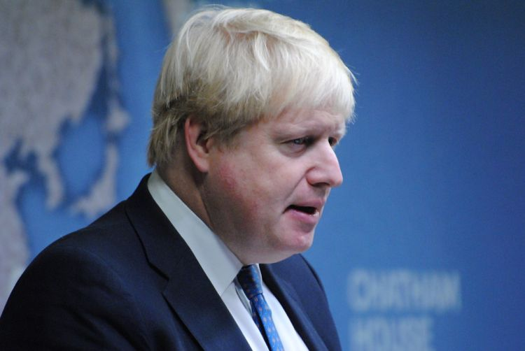 Boris Johnson'dan Huawei'yi eleştirenlere çağrı