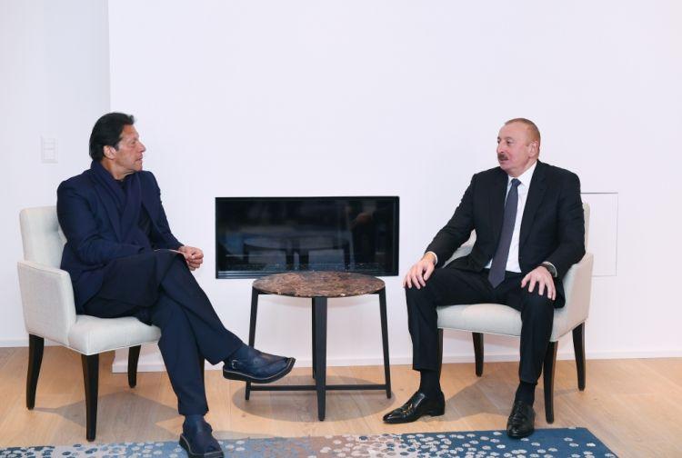 الرئيس إلهام علييف التقى برئيس وزراء باكستان في دافوس