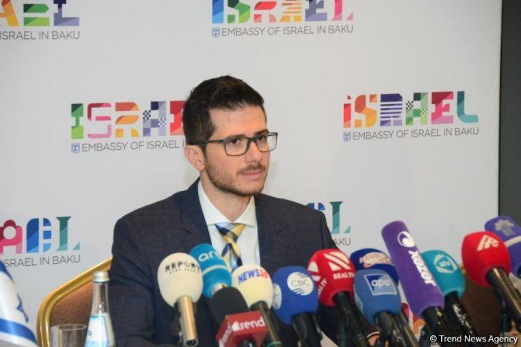 أذربيجان بلد يعيش فيه الممثلون عن القوميات والديانات المختلفة في السلام والأمن - السفير الإسرائيلي