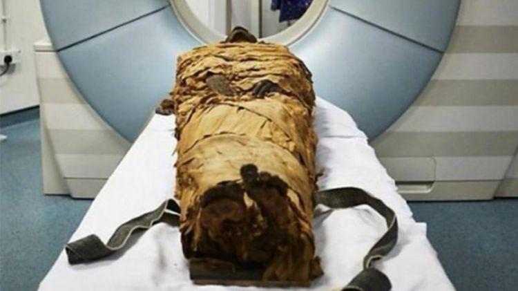 """Alimlərdən inanılmaz kəşf! - 3000 yaşlı mumiya """"danışdı"""" - VİDEO"""