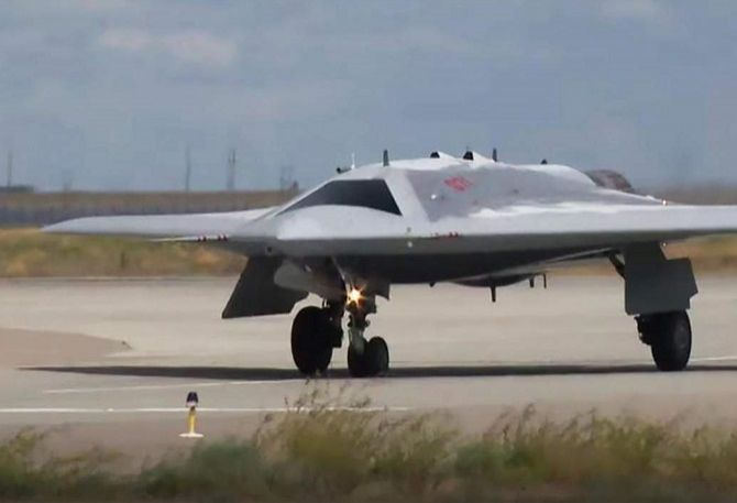 Meet the Sukhoi S-70 - Russia's New and Deadly Stealth Drone