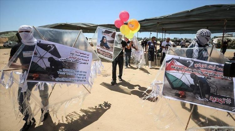 بالونات غزة تحمل متفجرات ورسائل سياسية