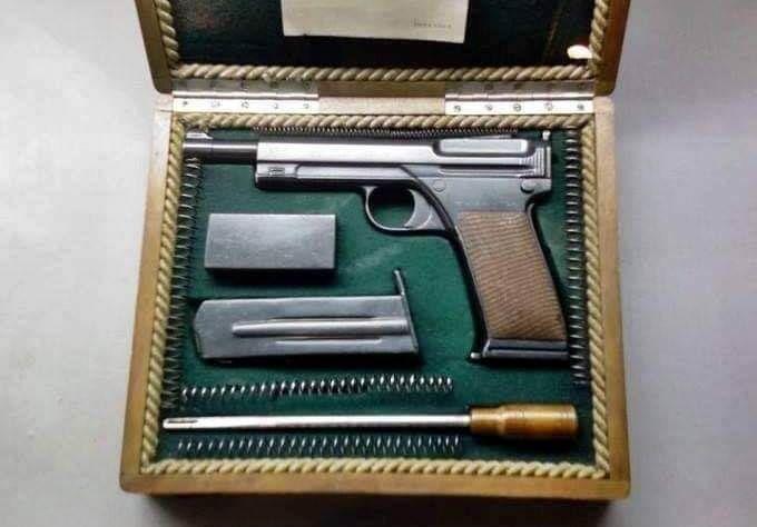 Zamanının ötesinde bir tabanca üretmiş Nuri Killigil'le ilgili - ACI BİR TÜRKİYE GERÇEĞİ