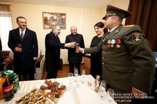 Qarabağda erməni ordusu bayram keçirdi - BAKI SUSUR...