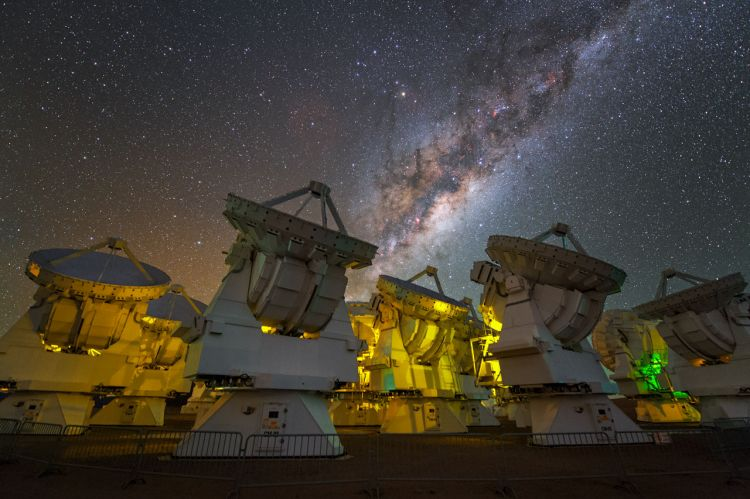 en/news/sience/416769-eso-telescope-sees-surface-of-dim-betelgeuse