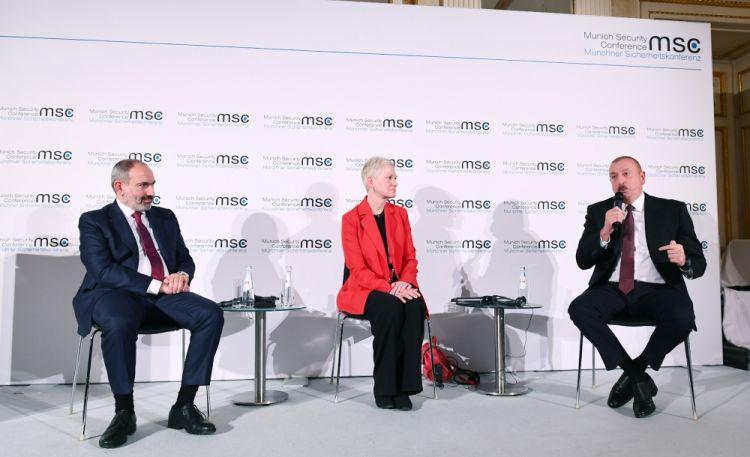 جلسة نقاش مكرسة للنزاع القائم بين أرمينيا وأذربيجان قراباغ الجبلية في إطار مؤتمر ميونخ للأمن بحضور الرئيس الأذربيجاني إلهام علييف ورئيس الوزراء الأرميني نيكول باشينيان