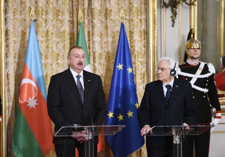 رئيسا أذربيجان وإيطاليا يدليان ببيان صحفي