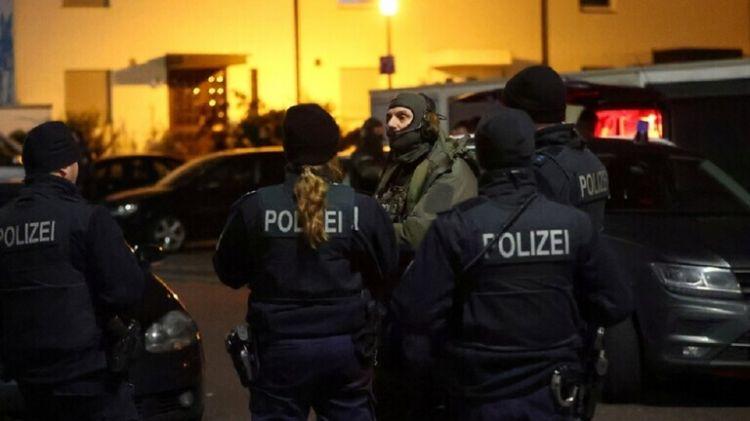 كاميرات المراقبة ترصد منفذ مجزرة هاناو بألمانيا أثناء التحضير لجريمته