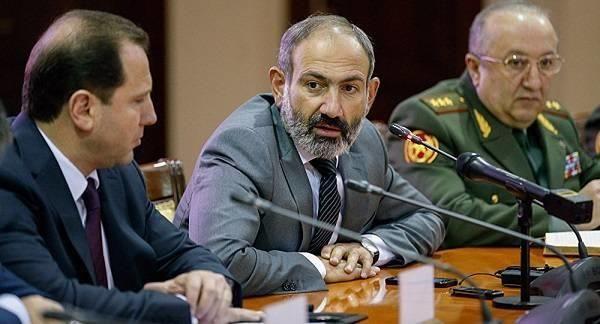 В армянской армии ожидаются многочисленные увольнения - За полтора месяца армянская армия потеряла 13 человек