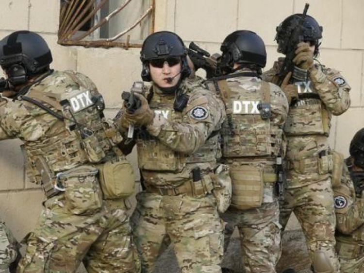 СГБ сообщила о задержании группы госчиновников в ИВ Нефтечалы - ВИДЕО