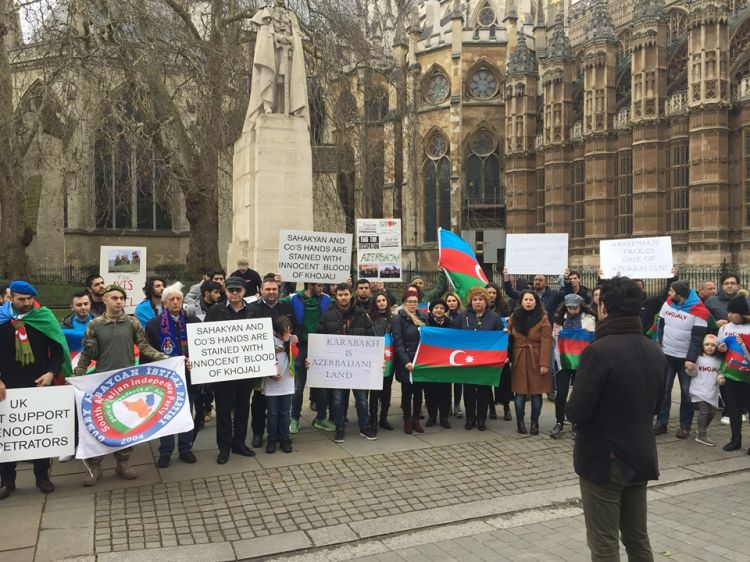 Azerbaijanis in UK held rally in London protesting crimes in Khojaly - PHOTOS