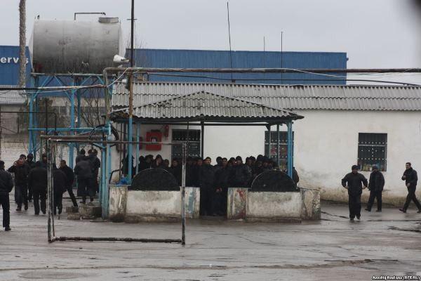 Azerbaycan'da 200 mahkum Kovid-19 nedeniyle serbest bırakıldı