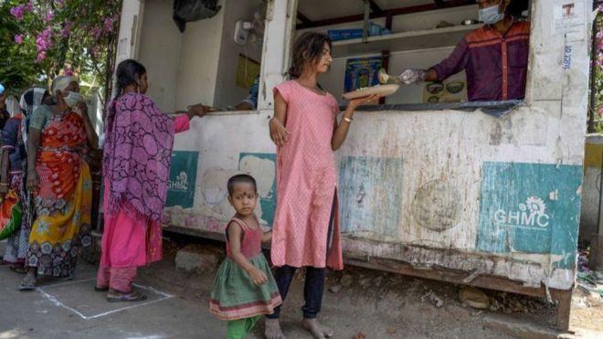 فيروس كورونا: باحثون يطالبون بإجراءات سريعة لتجنب وفاة الملايين