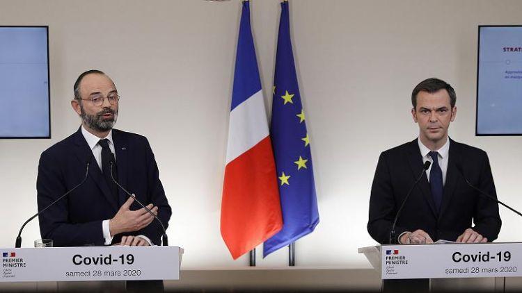 Fransa: Covid-19 ile mücadelede nisanın ilk 15 günü daha zorlu geçecek