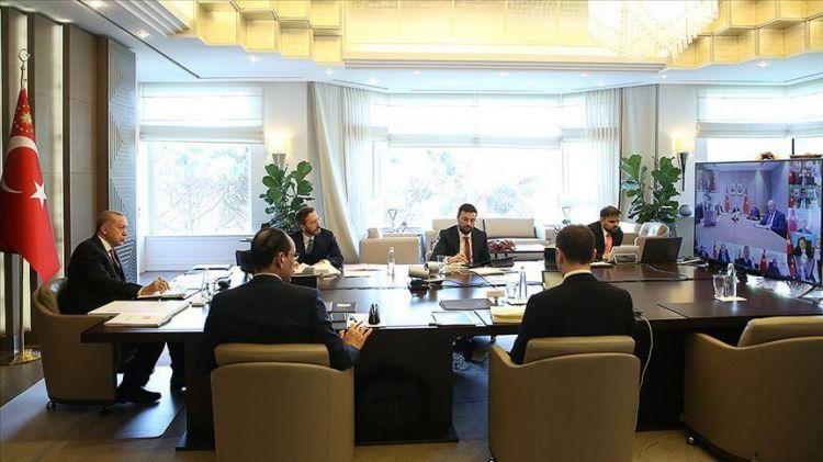 أردوغان يجتمع بأعضاء الحكومة عبر دائرة تلفزيونية