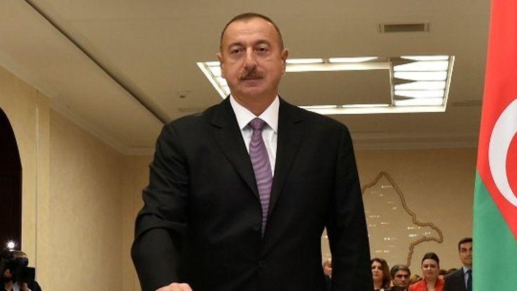 Azerbaycan'da 300 bin özel sektör çalışanının maaşını devlet ödeyecek